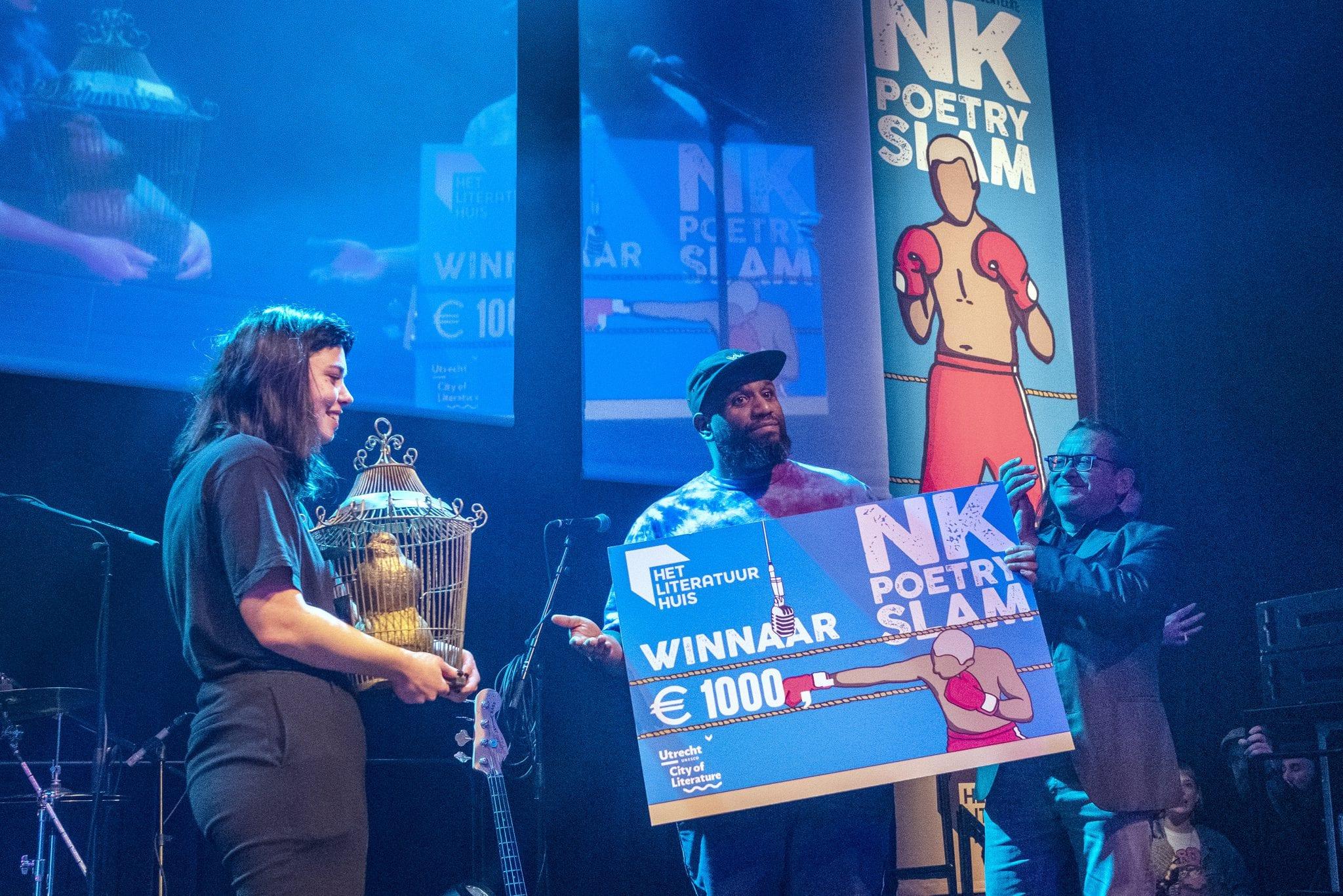 Nederland. Utrecht, 02-02-2019. Foto: Patrick Post. Finale NK Poetry Slam. Martje Wyers en Maxime Garcia Diaz tijdens de finale.