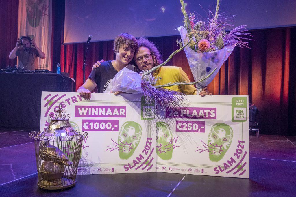 Nederland. Utrecht, 24-09-2021. Foto: Patrick Post. NK Poetry Slam finale. Finale tussen de uiteindelijke winnaar Marrit Jellema en Lucas Kloosterboer.